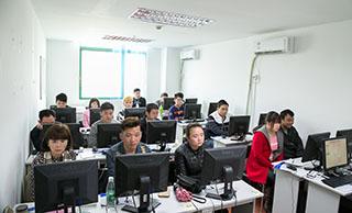 美迪电商教育-学习气氛浓厚的课堂