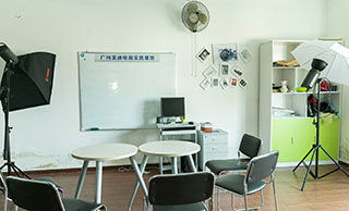 美迪电商教育-摄影课室一角展示